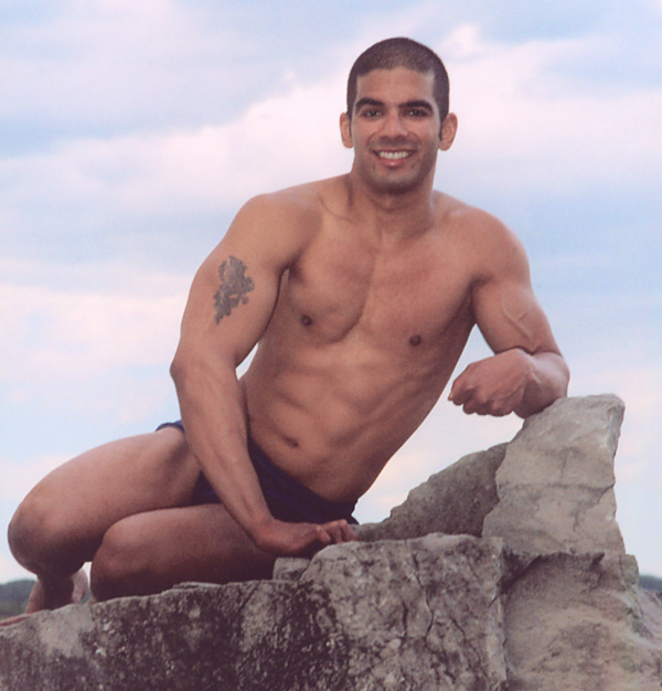 Male Fitness Models 03 - Chiseled Hunk On The Rocks